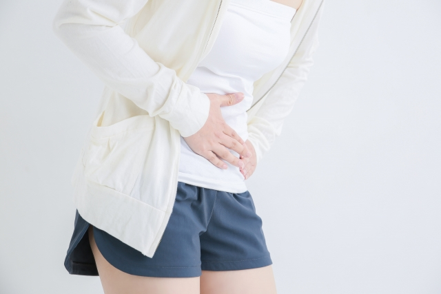 生理不順による辛い症状に悩む女性