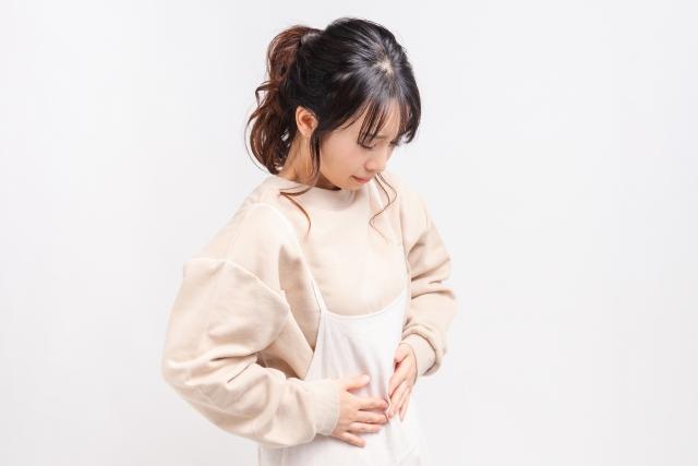 子宮内膜症の症状に悩む女性