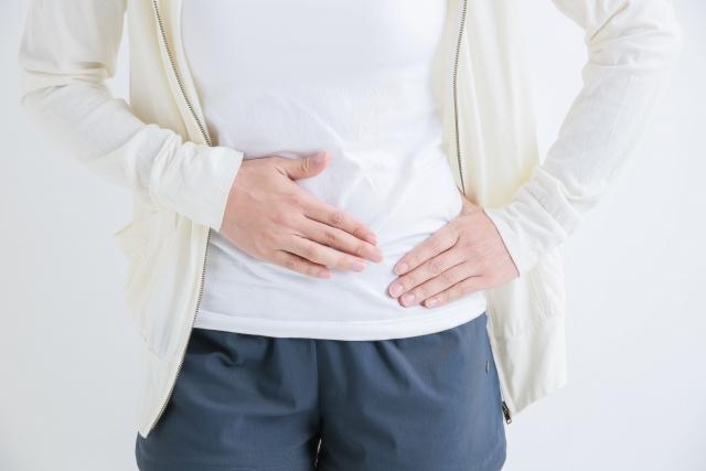 子宮筋腫による辛い症状に悩む女性